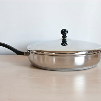 Farberware Double Handle Extra Large 12 inch Frying Pan Skillet with Lid, Aluminum Bottom, Vintage Cookware