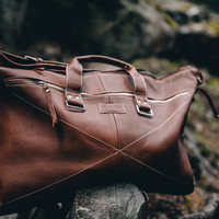 Amōs Eli Weekender Leather Travel Bag // Carry On Size // Duffle Bag // Carryall // Hand Crafted - Made in USA // 25 x 11.8 x 8.5 inches