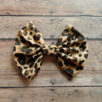 Hairbow and Button Earrings Gift Set, Cheetah Hairbow perfect for a gift.