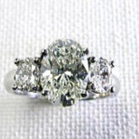 2.32ct G-SI2 Oval Diamonds Engagement Ring 18kt GIA certified JEWELFORME BLUE
