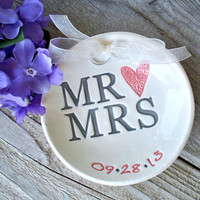Mr and Mrs Custom Wedding Ring Bearer, Ring Pillow Alternative, Ring Bowl, Ring Dish, Wedding Ring Holder