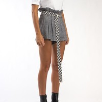 checkered industrial belt