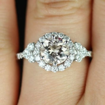 Amora 14kt White Gold Morganite Round Halo and Heart by RosadosBox
