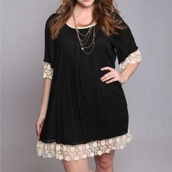 Plus Size Lace Patchwork Half Sleeve O-neck Black Loose Mini Dress WZC1078 [9305814791]