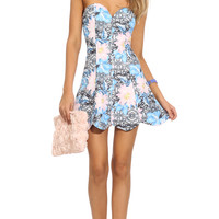 MIRACLES HAPPEN FLORAL BANDEAU DRESS - Printed party dress featuring a flirty strapless bodice and a scalloped hemline