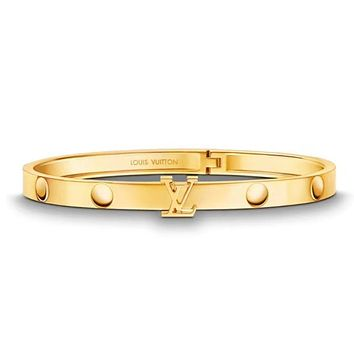 Louis Vuitton LV Hot Sale Women Buckle Stainless Steel Bracelet Jewelry Golden