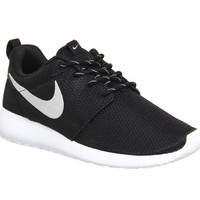 Nike Roshe Run Black Metallic White - Unisex Sports