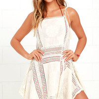 Moroccan Architecture Cream Lace Cover-Up