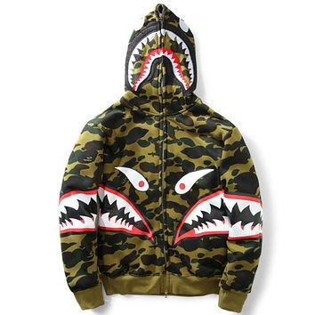 Bape 2018 autumn and winter tide brand men and women couple models loose hooded sweater coat green