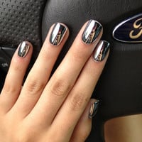 Metallic Mirror Nails Available in Different Colors