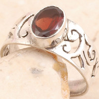 Tremendous Ring in 925 Sterling Silver Garnet