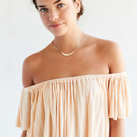 Truly Madly Deeply Lola Off-The-Shoulder Top - Urban Outfitters
