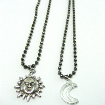 Sun and Moon  Necklace Set ,  Best Friends Jewelry Set , Couples Necklace, Day And Night  Necklace , Mother Daughter Necklaces