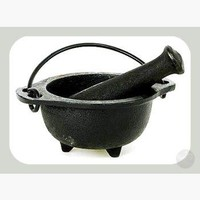 Cast Iron Cauldron M & P Set