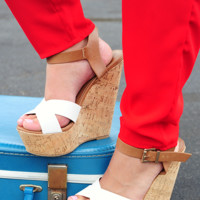 Tearing Up My Heart Wedges: White/Tan