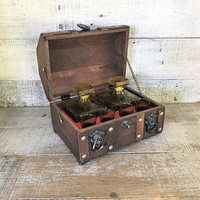 Decanter and Glasses Set Treasure Chest Barware Set with 2 Amber Diamond Glass Decanters and 4 Shot Glasses Man Cave Liquor Decanter Set