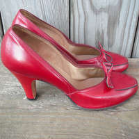 Vintage 1940s Shoes Red High Heels by Florsheim