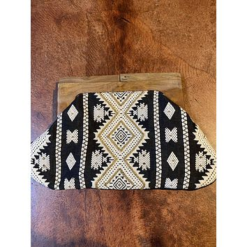 BEADED VACATION CLUTCH