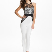 Lace Accents Sleeveless Contrast Jumpsuit