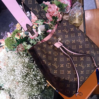Louis Vuitton LV NÉONOÉ Bucket bag Shoulder bag