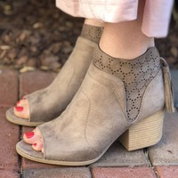 Qupid Core Booties - Taupe
