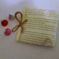 Book Page Favor Bags, Book Page Wedding, Wedding Favor, Book Page Envelope, Party Favor Bags, Book Party, Book Page Party, Library Party