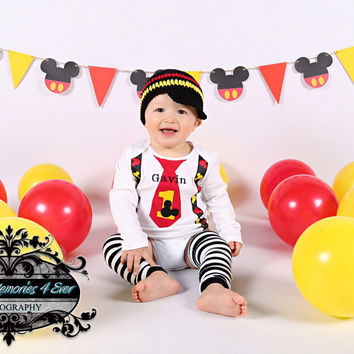 MOUSE First BIRTHDAY Outfit-Mickey Birthday Set With Name- Cake Smash-Baby Mouse Birthday Outfit with Crawlers and Beanie