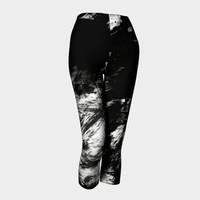 Capri Yoga leggings Three-quarter leggings Black capris with print of abstract ink strokes Black and white abstract Gym pants
