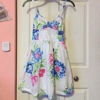 Hollister Co. floral summer dress. Gorgeous! 😍