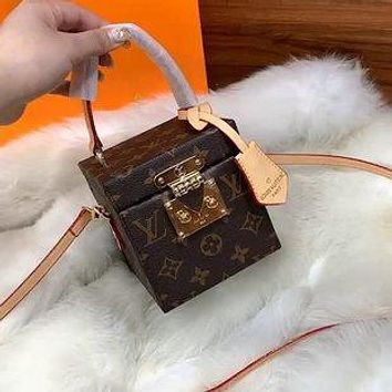 LV simple classic old-fashioned small box camera bag shoulder bag