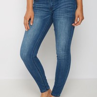 Medium Blue Sandblasted Mid Rise Jegging in Short