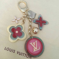 LV Louis Vuitton color keychain fashion wild logo buckle round four-leaf float keyring F0485-1