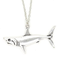 Great White Shark Necklace Vintage Silver Tone Pendant NQ14 Fashion Jewelry
