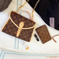 HCXX 19Nov 224 Louis Vuitton LV Monogram Chain Handle Flap Messenger Bag Wristlet 23-17cm