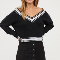 V-neck Sweater - Black - Ladies | H&M US