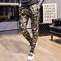 2017 Fashion Autumn Sportswear men Camouflage Joggers Military Green Army long pants Slim bottom Leopard Print Trousers MQ461
