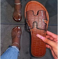 Hot sale flat heel beach shoes European and American summer new fashion slippers