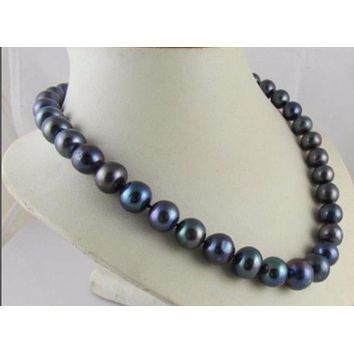 """Tahitian Black South Sea 8-9mm Pearls 18"""" Necklace"""