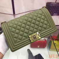 729 Leboy Fashion Crossbody Pouch Chain Shoulder Flap Bag Casual Quilted Baguette Bag 25-16-9cm