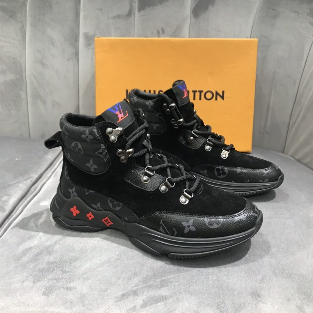 Image of LV Louis Vuitton  Men Fashion Boots fashionable Casual leather Breathable Sneakers Running Shoes