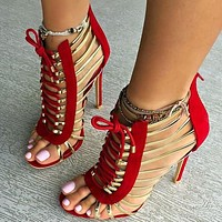 Fashionable oversize high heel lace sandals