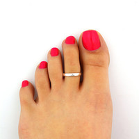 Sterling silver toe ring Simple design adjustable toe ring Also knuckle ring (T-91)