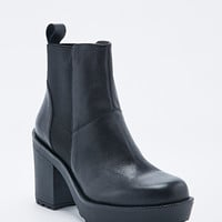 Vagabond Libby Leather Chelsea Boots in Black - Urban Outfitters