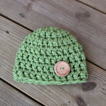HAT - BABY Hat - Newborn Crochet Hat in Light Green with Wooden Button - Baby Photo Prop - Baby Beanies