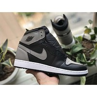 Air Jordan 1 Retro High OG sneakers basketball shoes