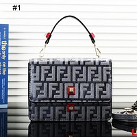 FENDI 2018 new retro bag shoulder bag Messenger bag small square bag #1