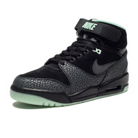 NIKE AIR REVOLUTION QS - BLACK | Undefeated