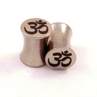"""Om Symbol Stainless Steel Plugs - Double Flared - 2g 0g 00g 7/16"""" (11 mm) 1/2"""" (13mm) 9/16"""" (14mm) 5/8"""" (16mm) Ohm Metal Gauges"""