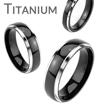 Tuxedo - FINAL SALE Refined Elegance Solid Titanium Silver and Black Comfort Fit Wedding Band