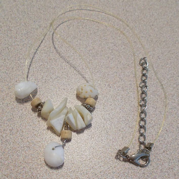 Vintage 80's 18 Inch Unisex Shell Illusion Necklace Simple Elegant Classic Beach Shell & Mother of Pearl Fashion Jewelry Unisex Gift